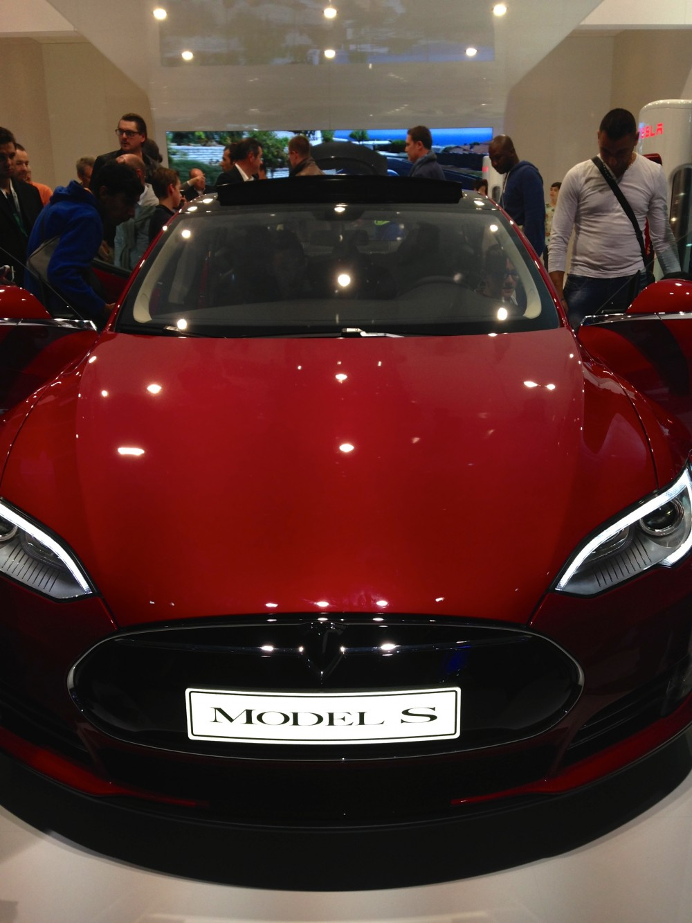 Tesla-mode-S-salon-auto-pairis-2014