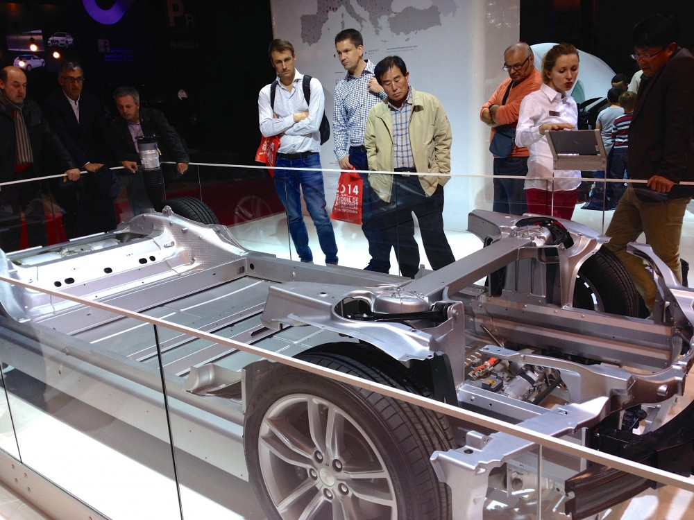 Tesla-mode- S-2-salon-auto-pairis-2014