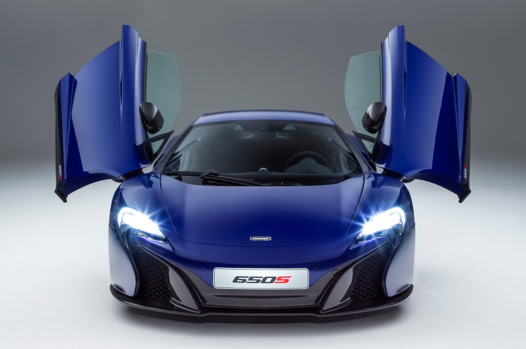 2015-mclaren-650s-coupe-front-doors-up
